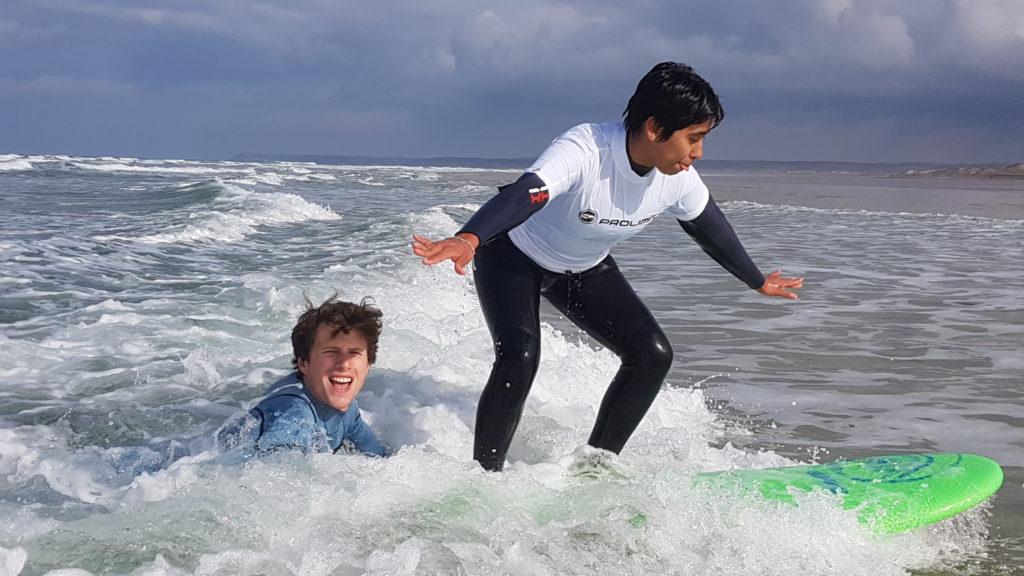 Cours Débutant Surf School Hattainville VanaSurf